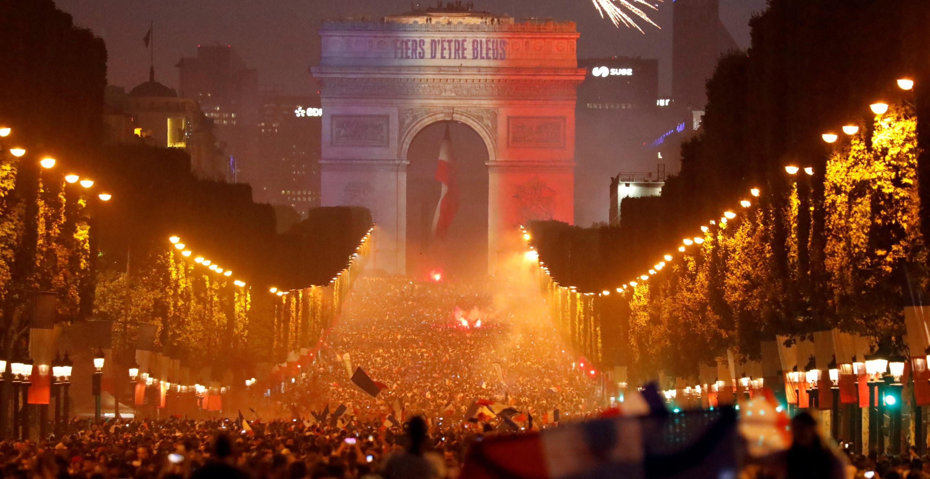 Fiesta trágica en Francia durante la celebración del Mundial: dos muertos, tres niños heridos y disturbios