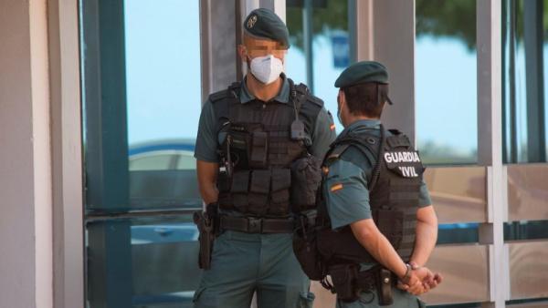 GRAF4698. PALMA DE MALLORCA, 25/07/2020.- La Guardia Civil continúa este sábado con los registros en las oficina de la Autoridad Portuaria de Baleares (APB) en Palma, en el marco de una investigación de la Fiscalía Antocorrupción. Los cinco directivos de