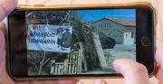 Hoguera de San Juan con una pancarta que da la bienvenida a Urdangarin. / REPORTAJE GRÁFICO: J. GÓMEZ