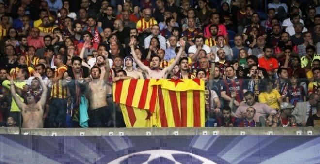 La UEFA multa al Barcelona con 30.000 euros por las esteladas y los gritos independentistas en la final de la Champions en Berlín