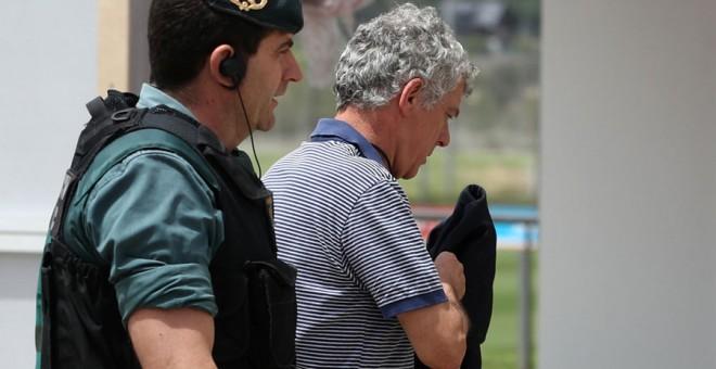 Sobresueldos, contratos, indemnizaciones, desvío de fondos y favores a su hijo Gorka, en el auto de la detención de Villar