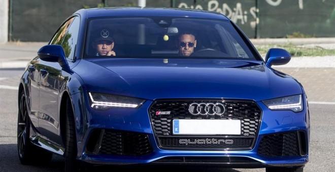 Neymar comunica a sus compañeros que deja el Barça