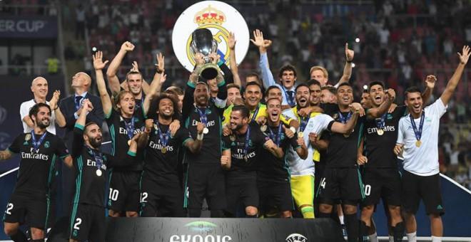 El Madrid gana al United y se lleva el primer título de la temporada