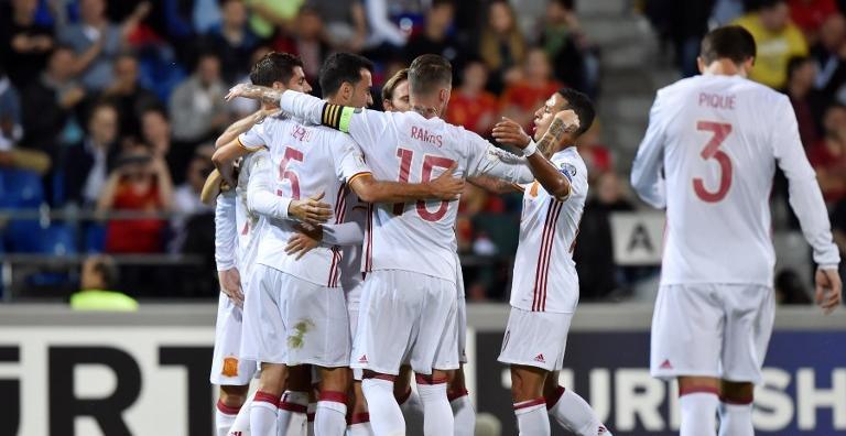 España se da un atracón de goles en Vaduz