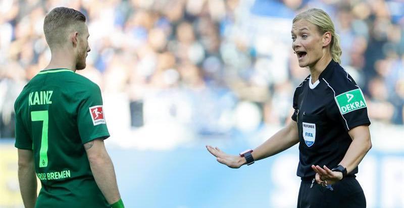 Bibiana Steinhaus, la mujer que hace historia en el fútbol europeo: se convierte en la árbitra de la Bundesliga