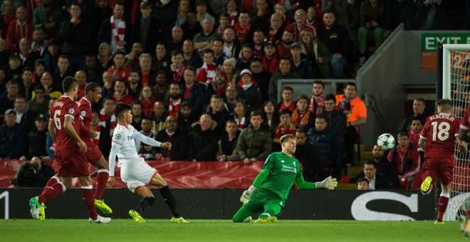 El Sevilla saca de Anfield un punto que sabe a victoria