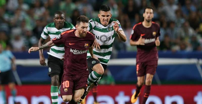 El Barça se alía con la fortuna para salir airoso del Alvalade