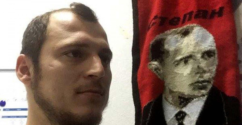 """Zozulya no pisará Vallecas: los aficionados le recuerdan que """"no es lugar para nazis"""""""