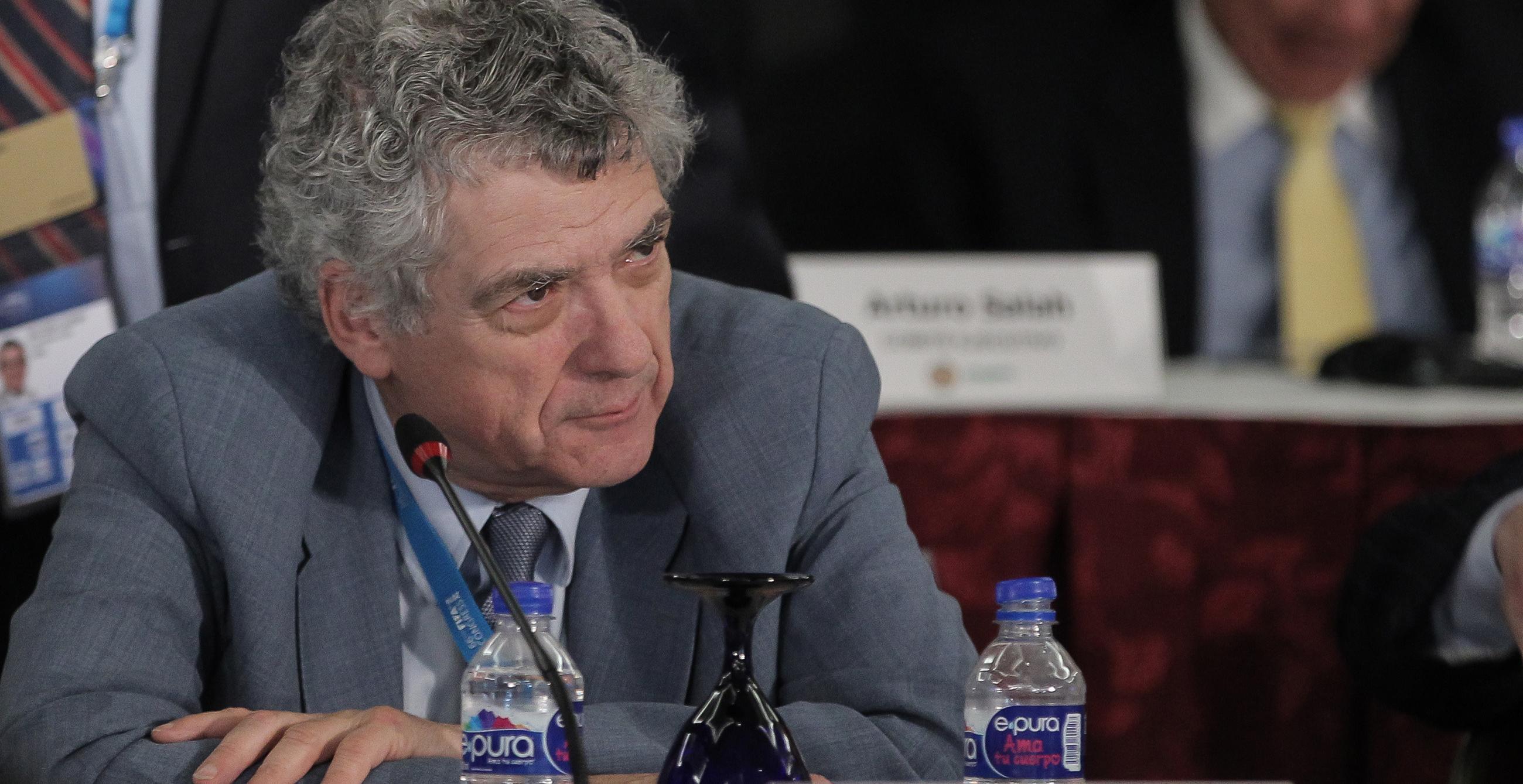 La FIFA amenaza con excluir a España del Mundial de Rusia por el 'caso Villar'