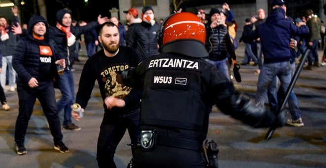 Quedan en libertad con cargos los nueve detenidos en los incidentes entre ultras del Athletic y el Spartak