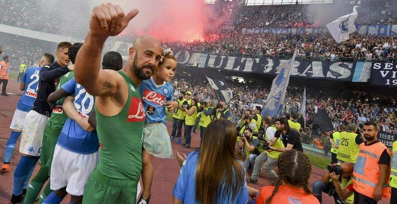 Pepe Reina, denunciado por frecuentar a miembros de la Camorra en Nápoles