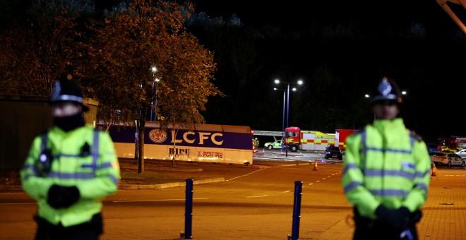 El helicóptero del dueño del Leicester se estrella fuera del estadio del club
