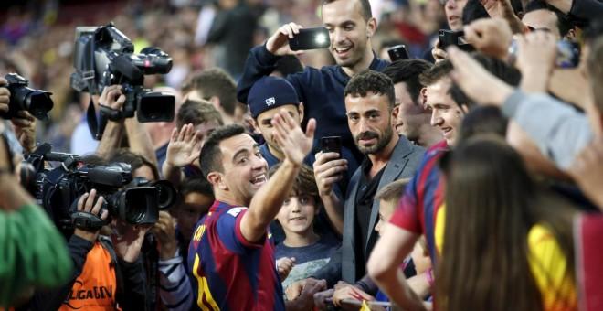 Xavi anuncia su retirada para iniciar la carrera como entrenador